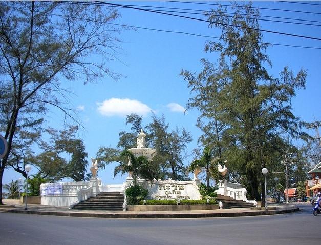 Karon Circle