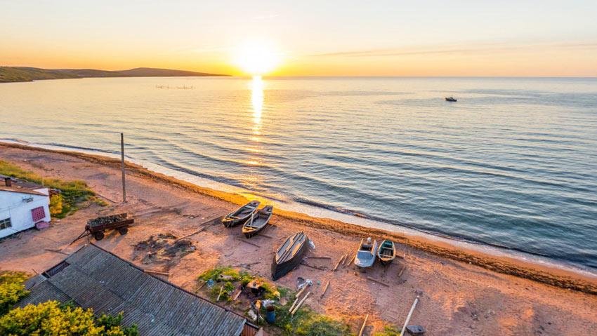 пляж поселка Юркино Крым