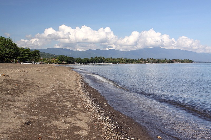 Пляж Ловины