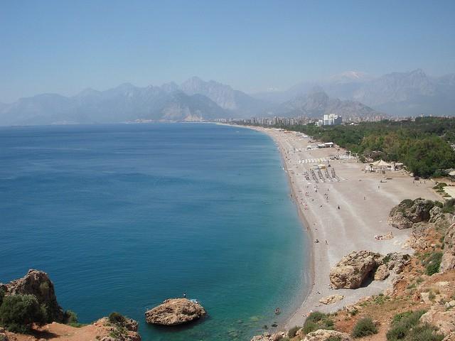 Вид на пляж Коньяалты