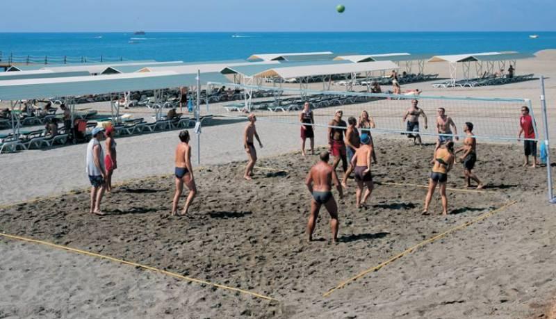 Развлечения на пляже Лара