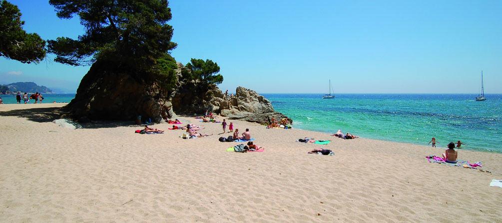 Отдых на пляже Ллорет