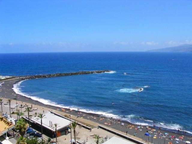 Вулканические пляжи Испании