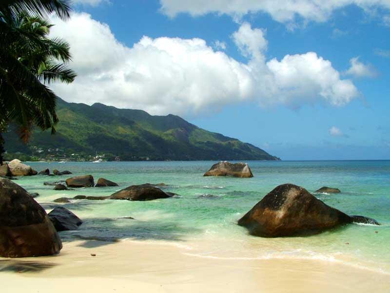 Острова  Маэ