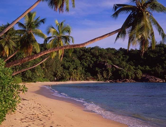 Пляжи Маэ и Гранд-Анс