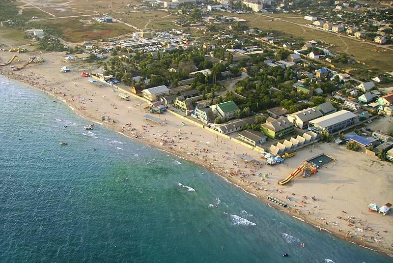 Мелководные пляжи в поселке Штормовое.