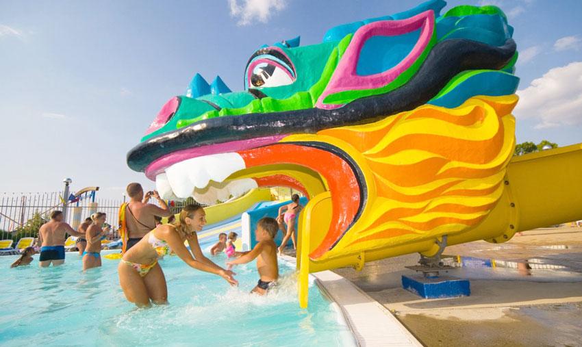 развлечения для детей в аквапарке Золотой пляж