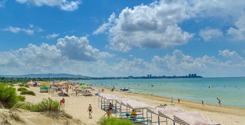 Центральный пляж Джемете Анапа