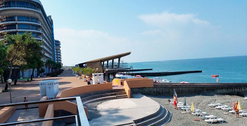 пляж Светлячок в Сочи