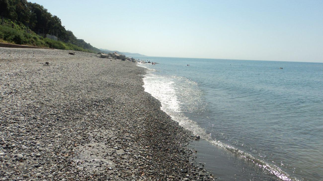 Дикие пляжи в Адлере