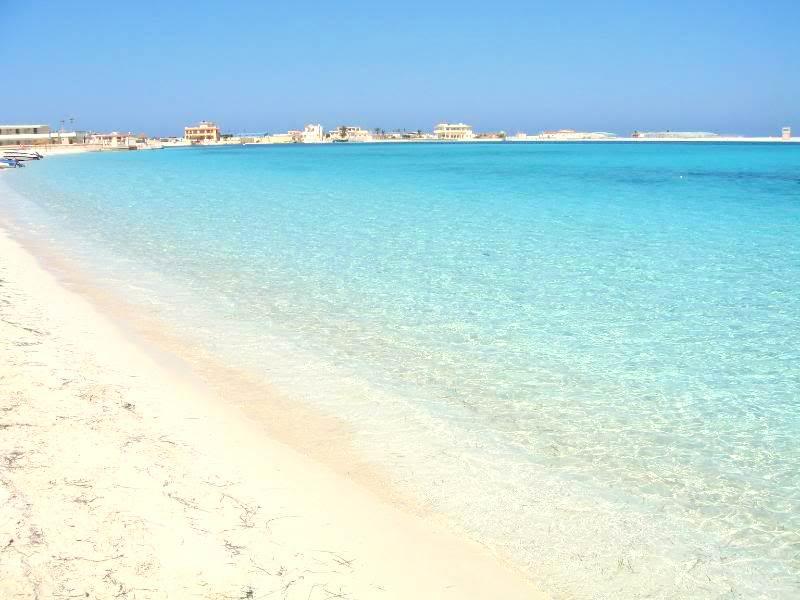 Пляж Аль-Абъяд
