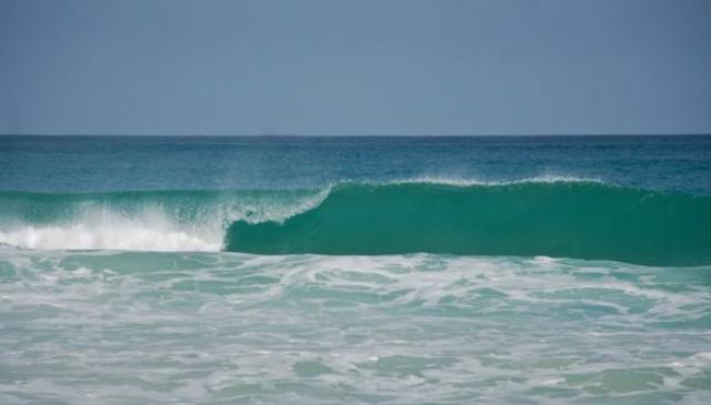 Волны на Макао
