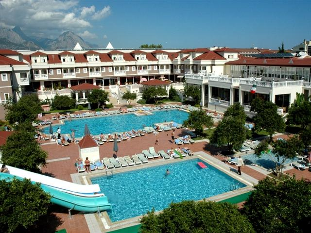 Пляж отеля Garden Resort Bergamot Hotel 4*