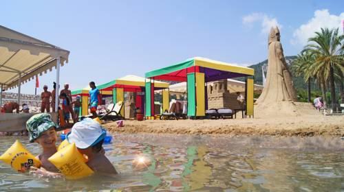Детский пляж отеля RIXOS SUNGATE 5*