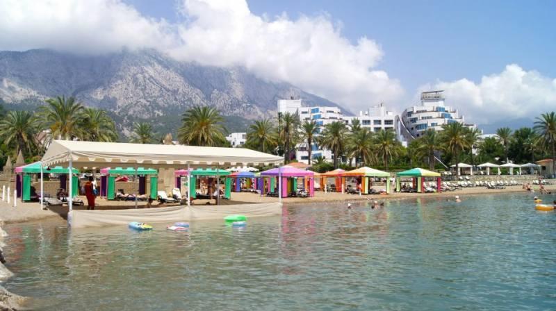 Вид на пляж отеля RIXOS SUNGATE 5*