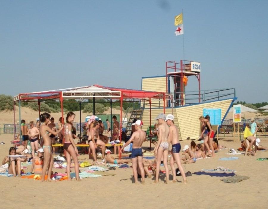 Пляж санатория Огонек в Витязево
