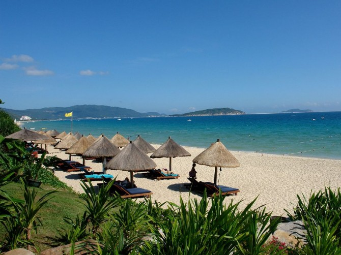 Отдых на пляжах Китая