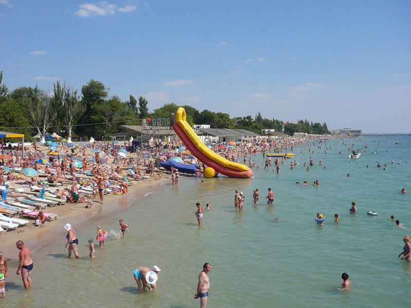 На пляжах Крыма