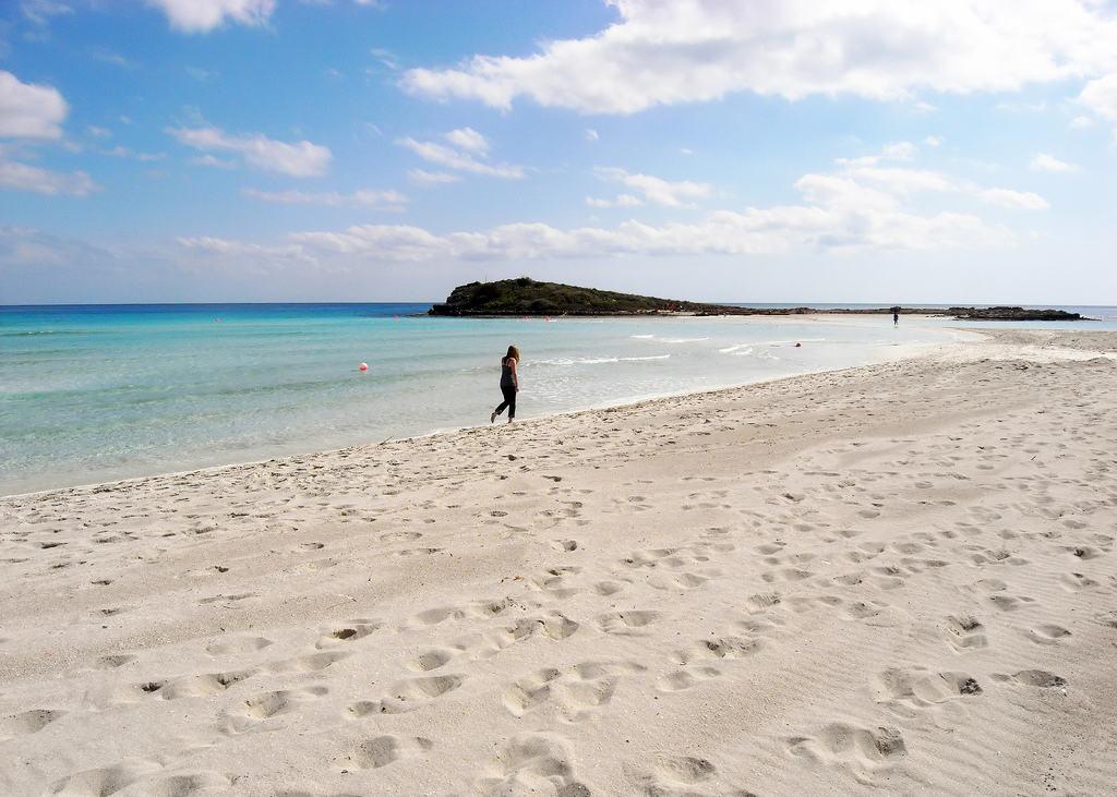 Пляж Нисси Бич в Айя-Напе на Кипре
