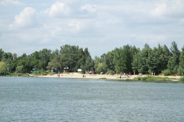 Живописный пляж в Ростове