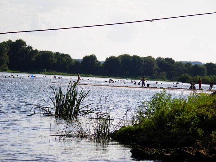 Пляж на Оке в Озёрах
