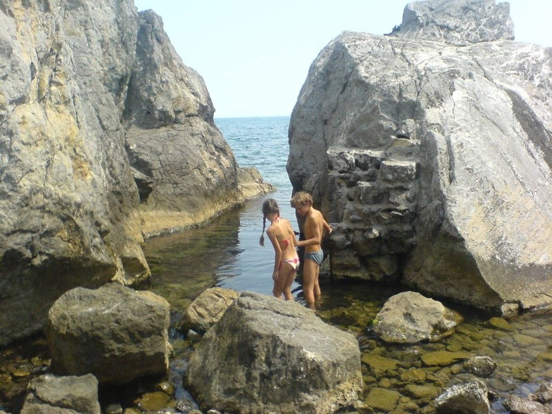 Дикий пляж в Гурзуфе