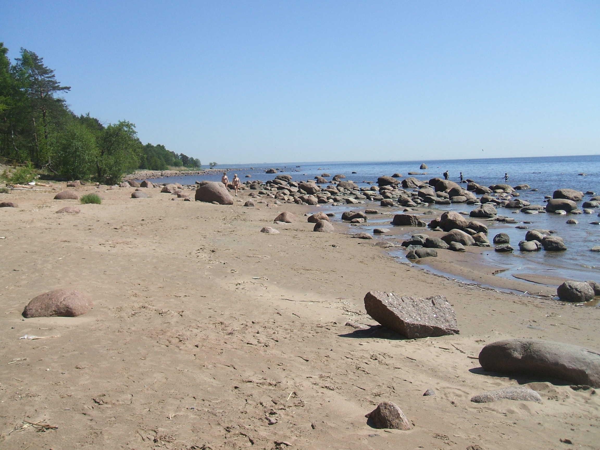 Пляж в Смолячково