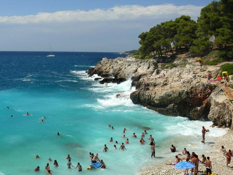 Скалистые пляжи Хорватии