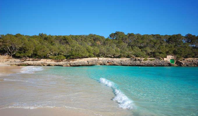 Пляж Кала Мондраго