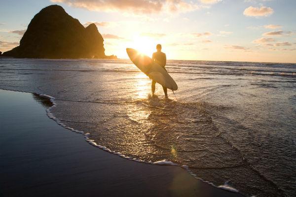 Пляж черная жемчужина Окленда