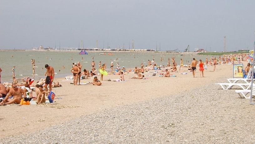 Пляж пансионата в Ейске