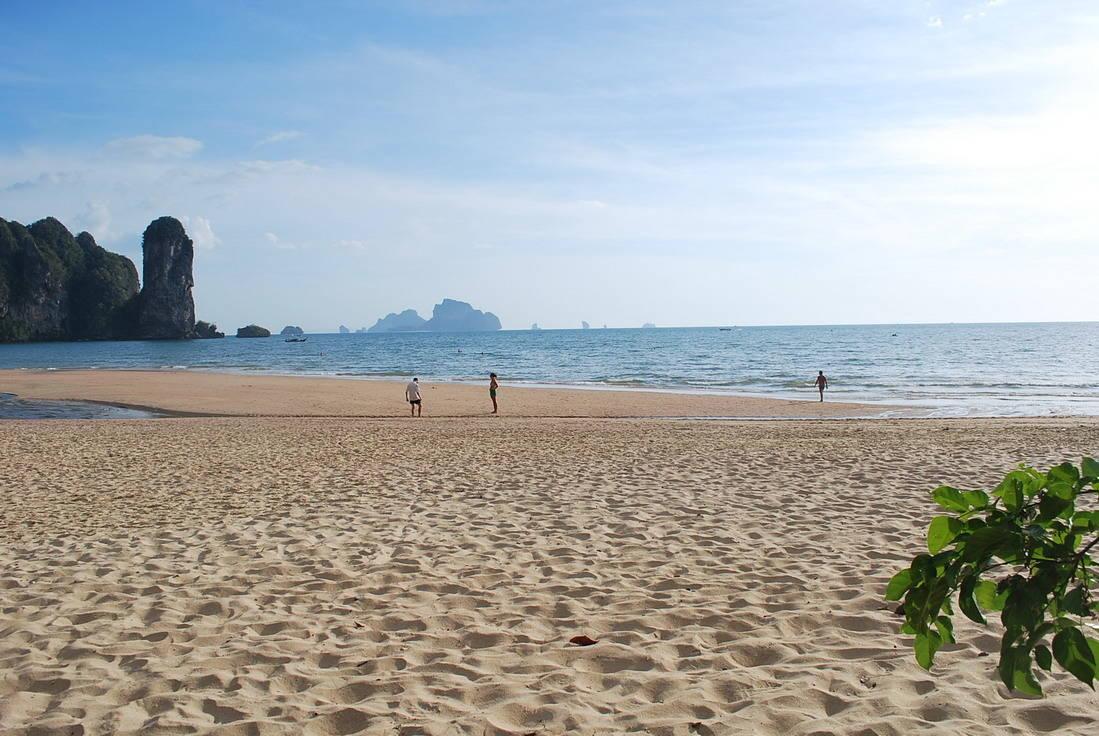 Пляж Ао Пай Плонг