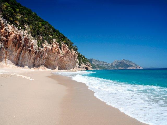 Самые живописные пляжи Италии