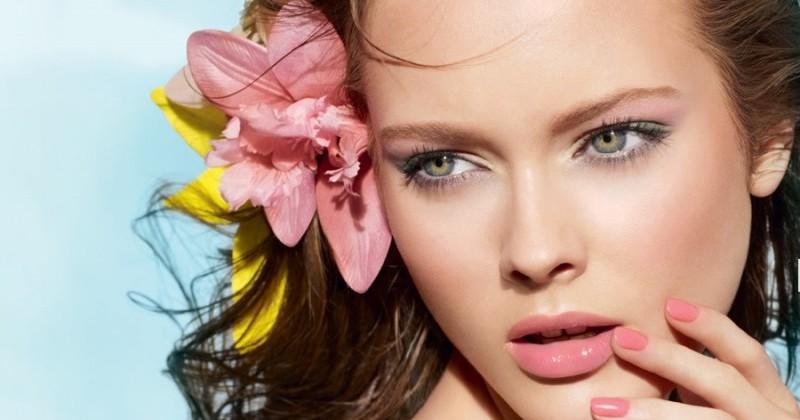 Как сохранить макияж на пляже в жару