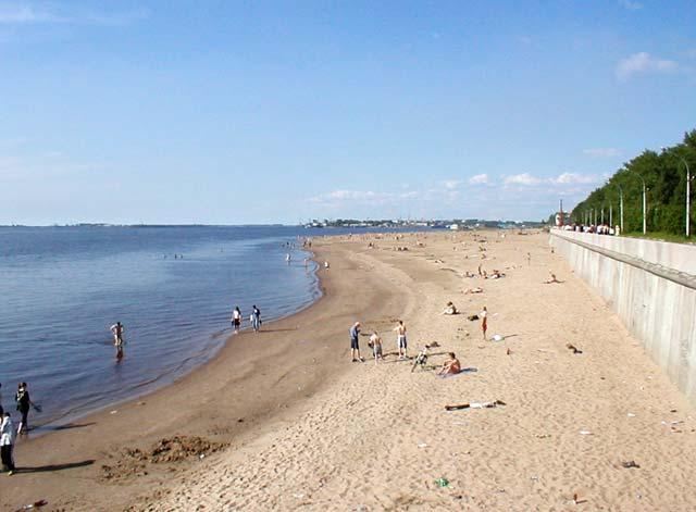На центральном пляже Архангельска
