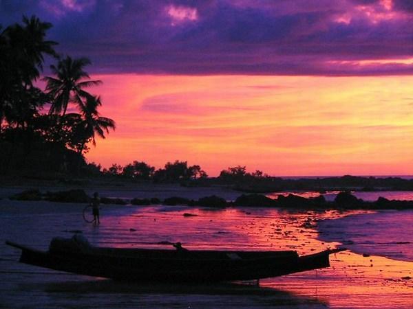 Побережье Бирмы на закате