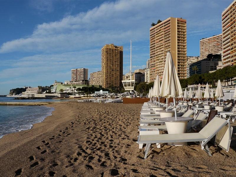 Пляж Ларвотто в Монако