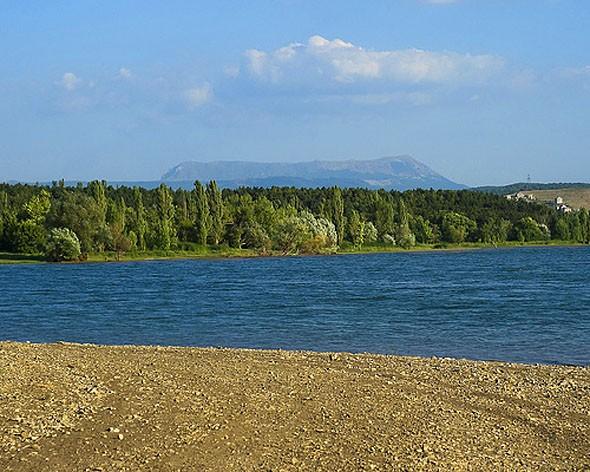 Центральный пляж Симферопольского водохранилища