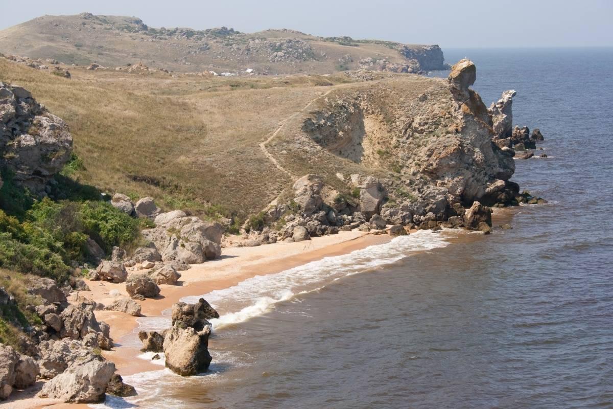 На фото Генеральские пляжи в Крыму