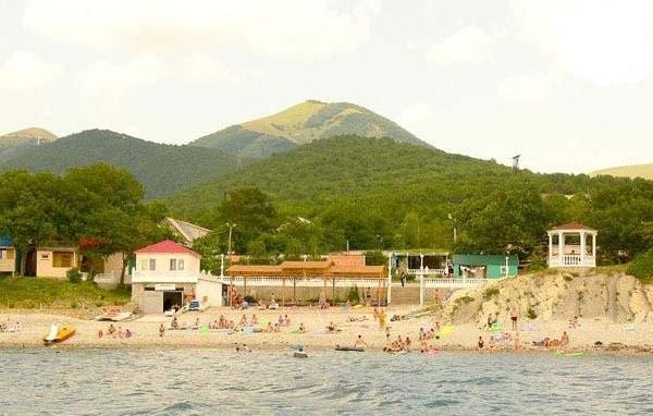 Пляж оздоровительного комплекса «Лазурный»