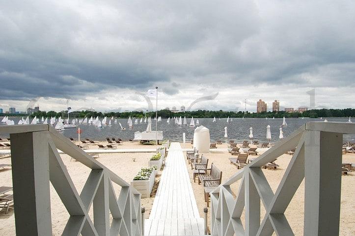 Пляж Royal Bar