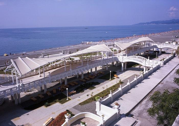 Пляж отеля Звездный в Сочи