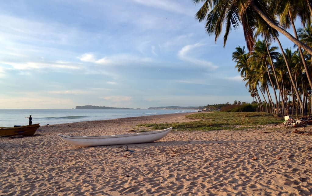 Отдых на пляже Тринкомале