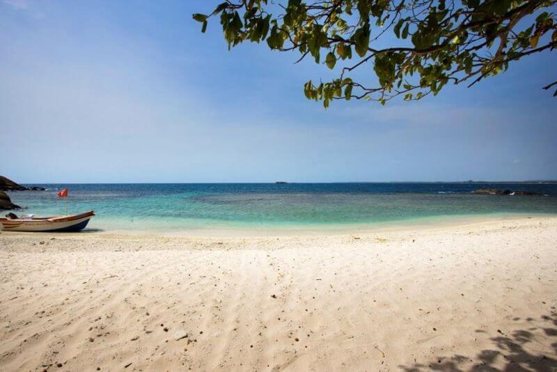 Пляж Нилавели Тринкомале