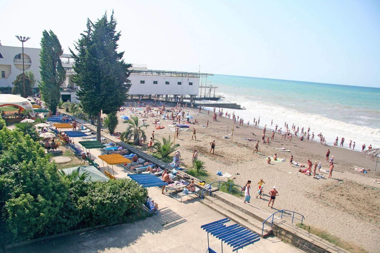 Пляж санатория Кудепсты