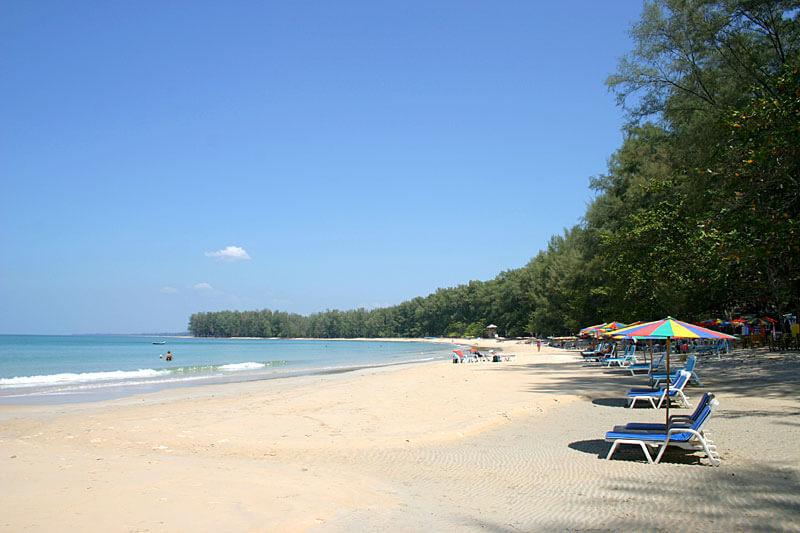 Пляж Най-Янг на Пхукете