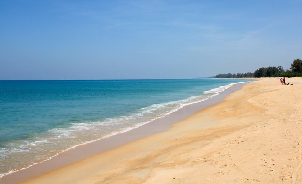 Пляж в Най-Янг -фото