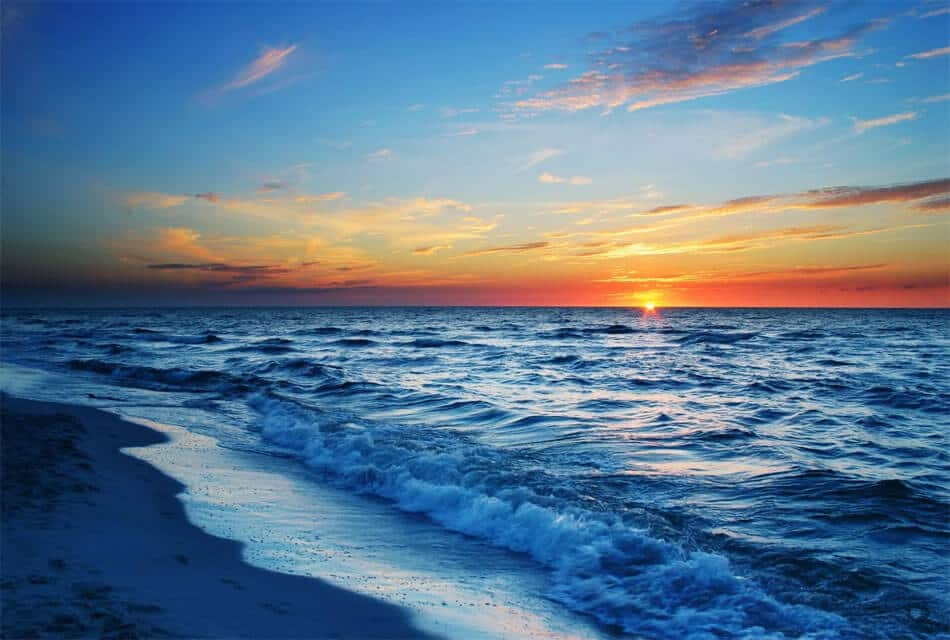 Закат на побережье Батуми