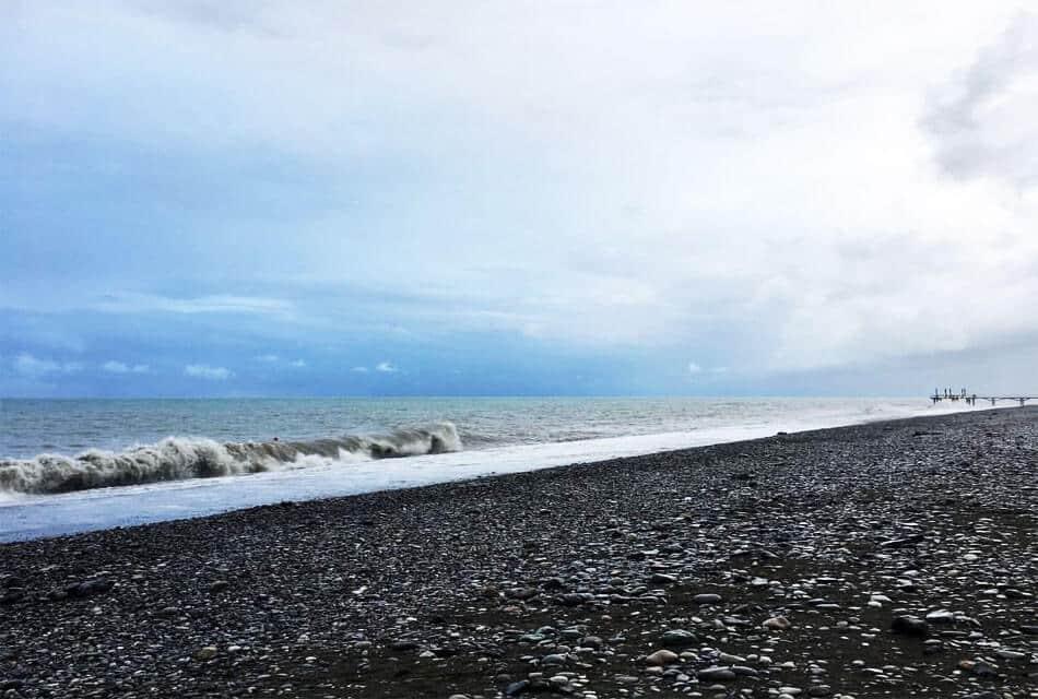 Дикий пляж Батуми