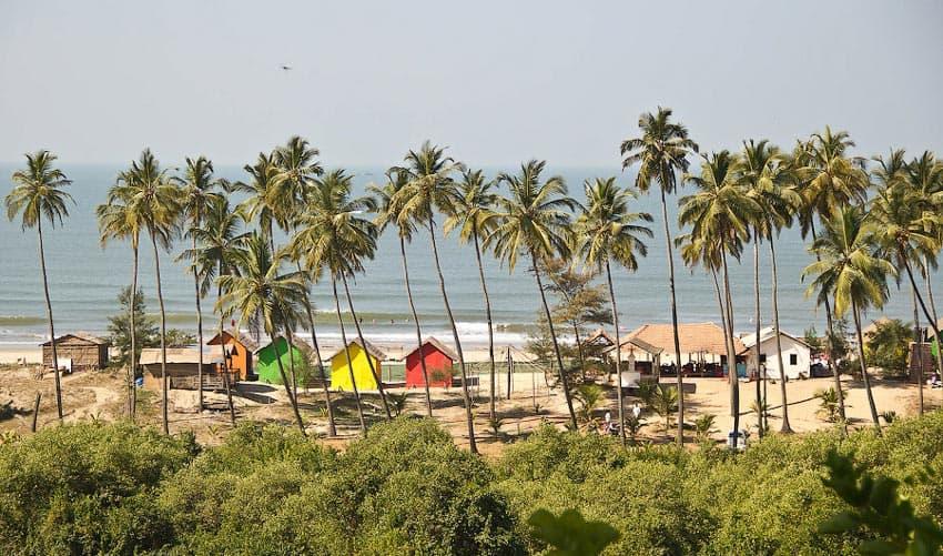 вид на пляж Анджуна Гоа